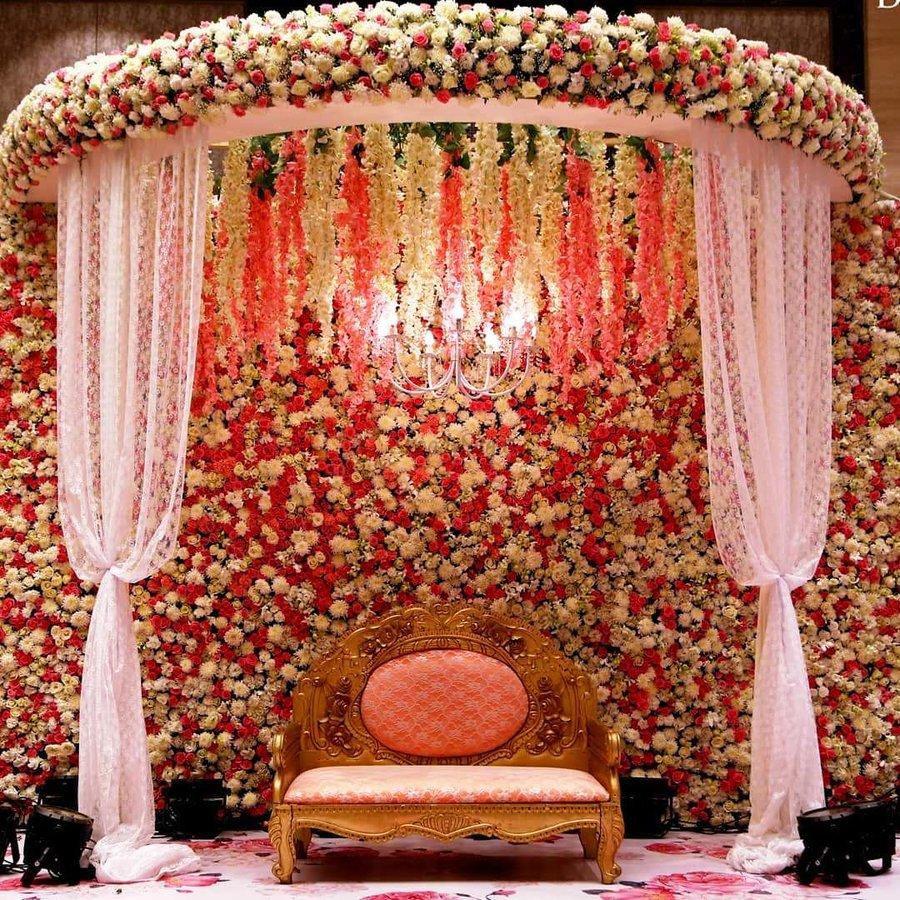 23 Gorgeous Stage Decor Ideas for a Luxurious Wedding, 1 67