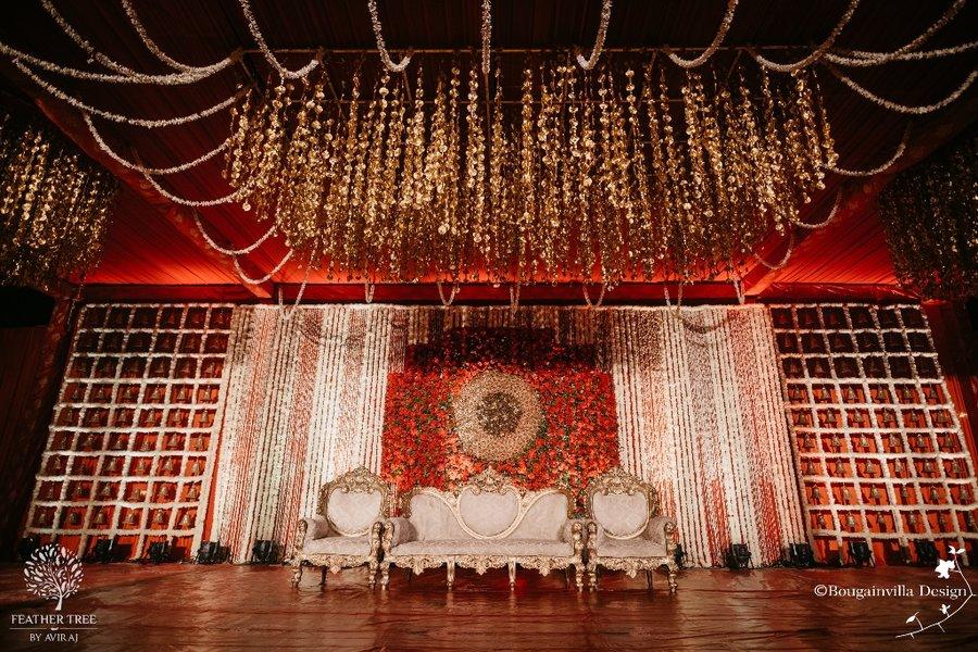 23 Gorgeous Stage Decor Ideas for a Luxurious Wedding, 1 72