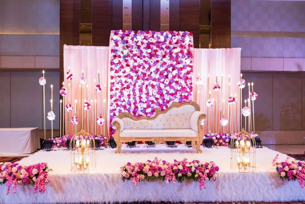 23 Gorgeous Stage Decor Ideas for a Luxurious Wedding, 1 73