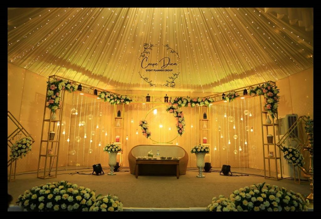 23 Gorgeous Stage Decor Ideas for a Luxurious Wedding, 1 86