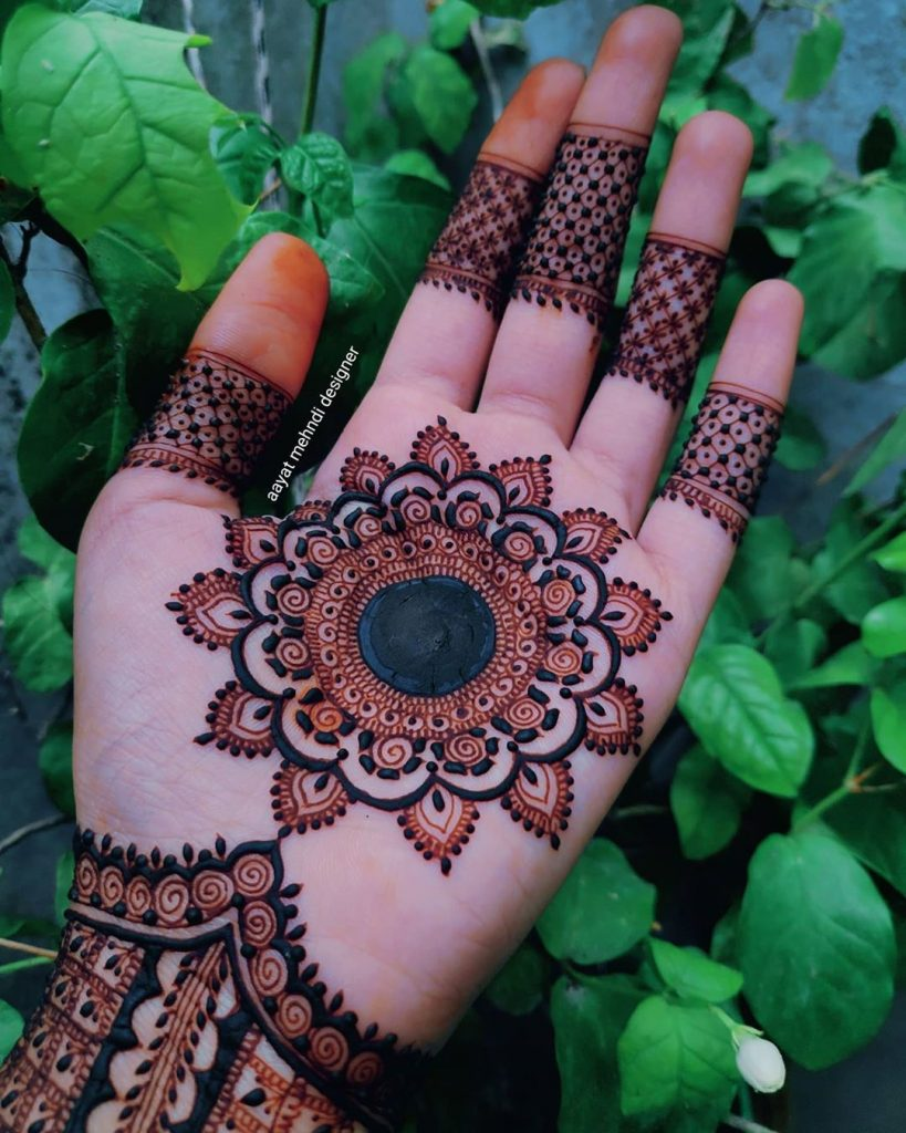 20+ Mandala Mehendi Designs for Brides, 18. Stunning Mandala Design