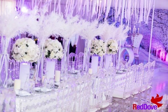 Elegant Ways to Choose White Color Theme for Your Wedding Venue, 2 15