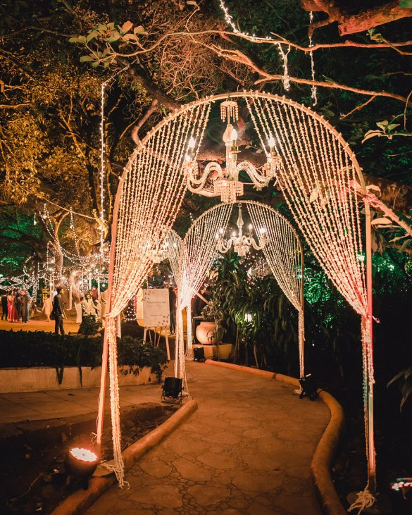 Trending Walkway Decor Ideas that could be the Oomph Factor of Your Wedding, 2 3
