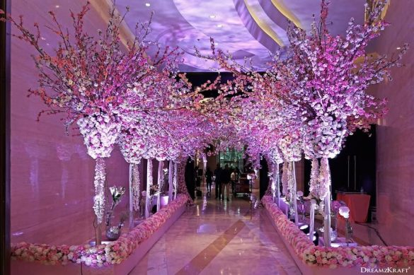 Trending Walkway Decor Ideas that could be the Oomph Factor of Your Wedding, 2 4
