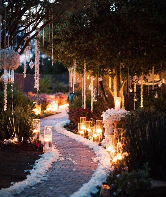 Trending Walkway Decor Ideas that could be the Oomph Factor of Your Wedding, 3 5