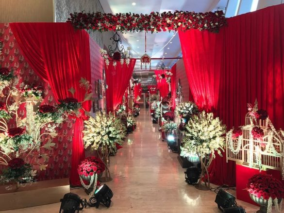 Trending Walkway Decor Ideas that could be the Oomph Factor of Your Wedding, 3 6