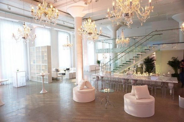 Elegant Ways to Choose White Color Theme for Your Wedding Venue, 4 10