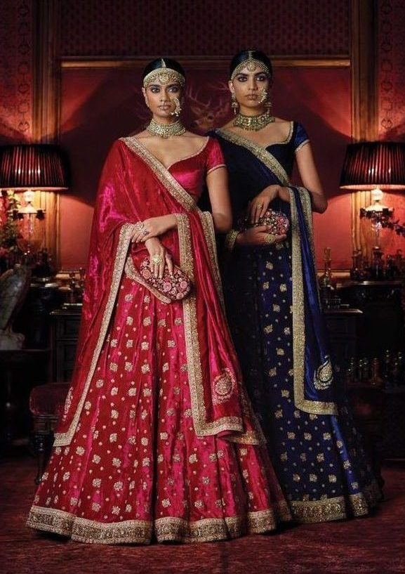19 Gorgeous Velvet Lehengas By Sabyasachi For A Cozy Winter Wedding, b111f0eb3e90f53261c68303db2aa8d5 e1601297702998
