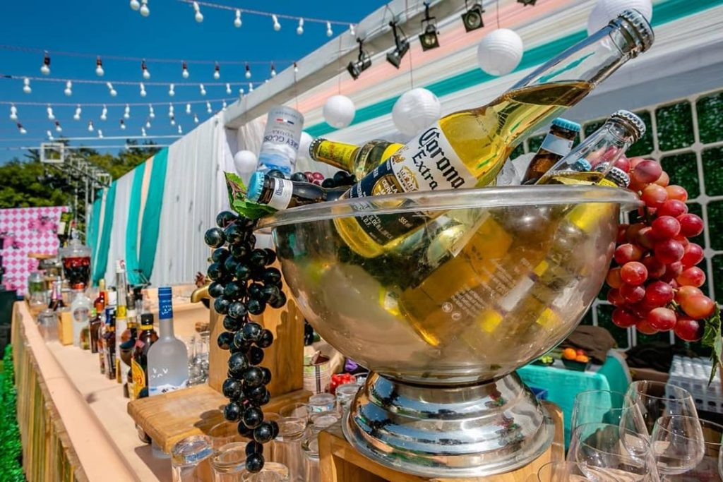 20 Unique and Quirky Wedding Bar Decor Ideas for Ritzy Cocktail Party, m 10