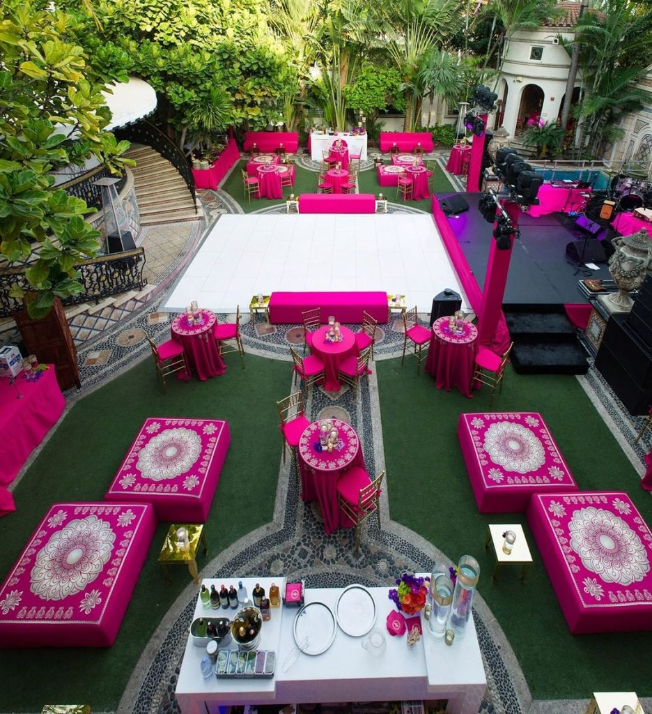 20 Unique and Quirky Wedding Bar Decor Ideas for Ritzy Cocktail Party, m 11