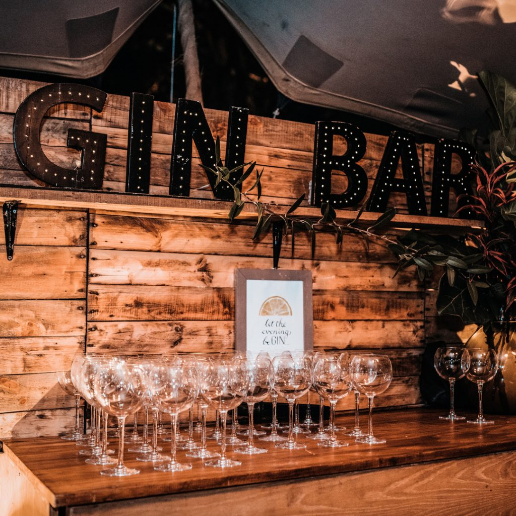 20 Unique and Quirky Wedding Bar Decor Ideas for Ritzy Cocktail Party, m 13