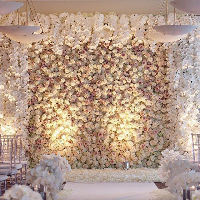 Floral Backdrop and Circle Arches for a Heavenly Wedding, m 40
