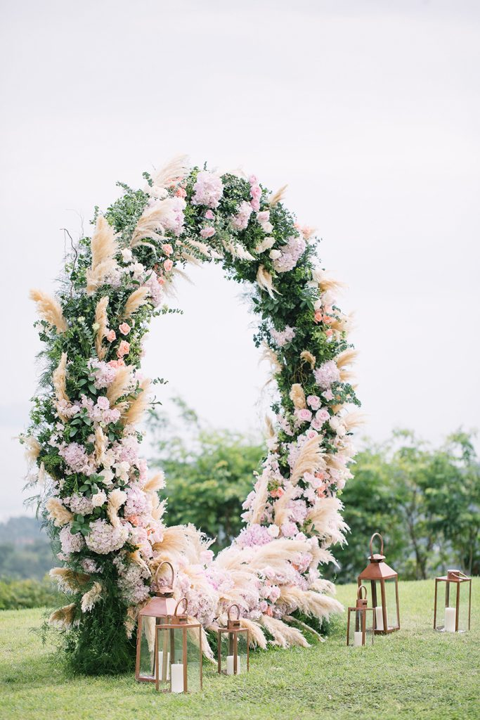 Floral Backdrop and Circle Arches for a Heavenly Wedding, m 41