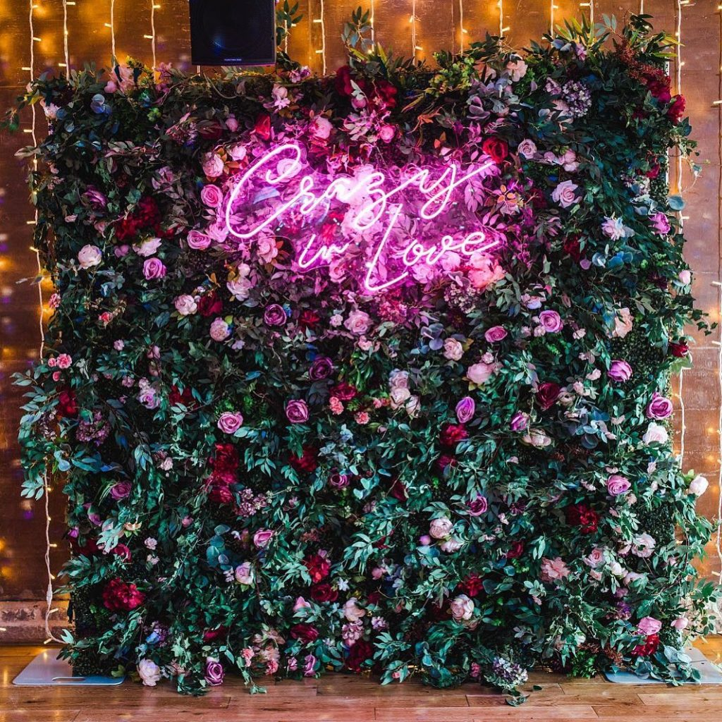 Floral Backdrop and Circle Arches for a Heavenly Wedding, m 48