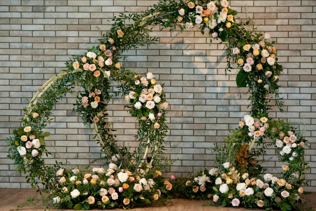 Floral Backdrop and Circle Arches for a Heavenly Wedding, m 53