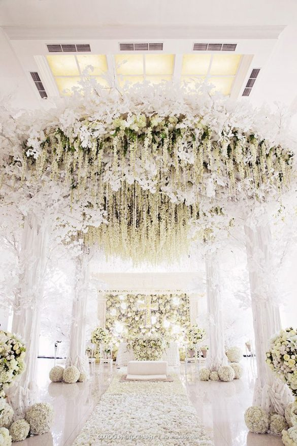 Elegant Ways to Choose White Color Theme for Your Wedding Venue, m2
