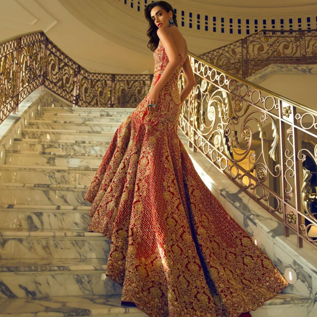 Swoon-Worthy Red-Golden Pakistani Bridal Gowns That Are A Perfect 10/10, farazmanan 1604929187033