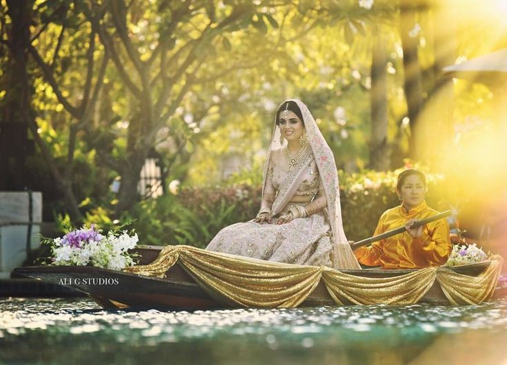 Top 11  Trending Quirky Bridal Entry Ideas For A Shandaar Entry, 0072948dbf2c7721716090836992ebea
