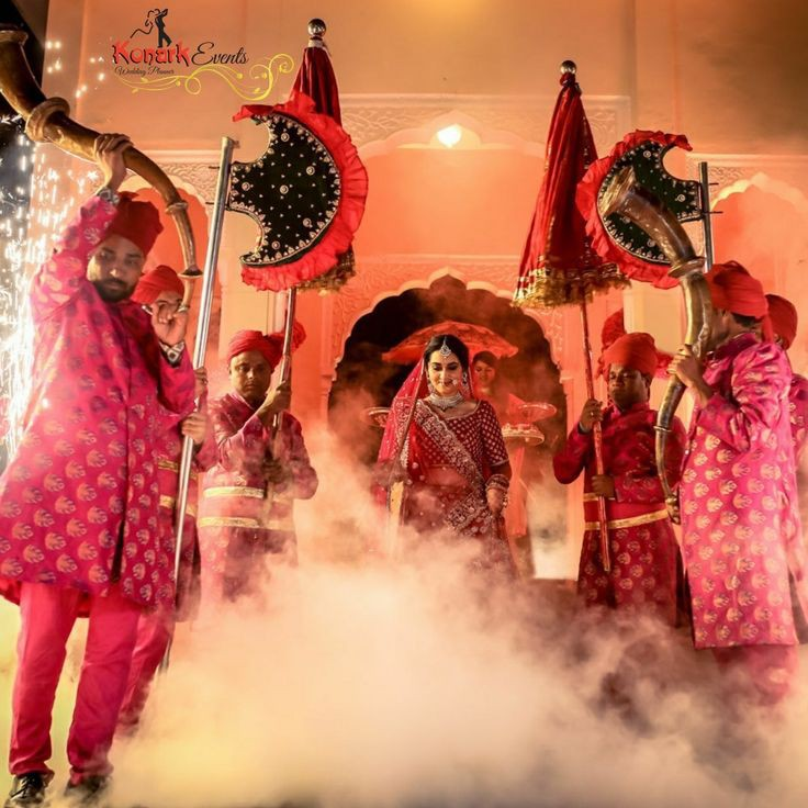 Top 11  Trending Quirky Bridal Entry Ideas For A Shandaar Entry, 8f5ac2ae67e22089df85a289eefaf032