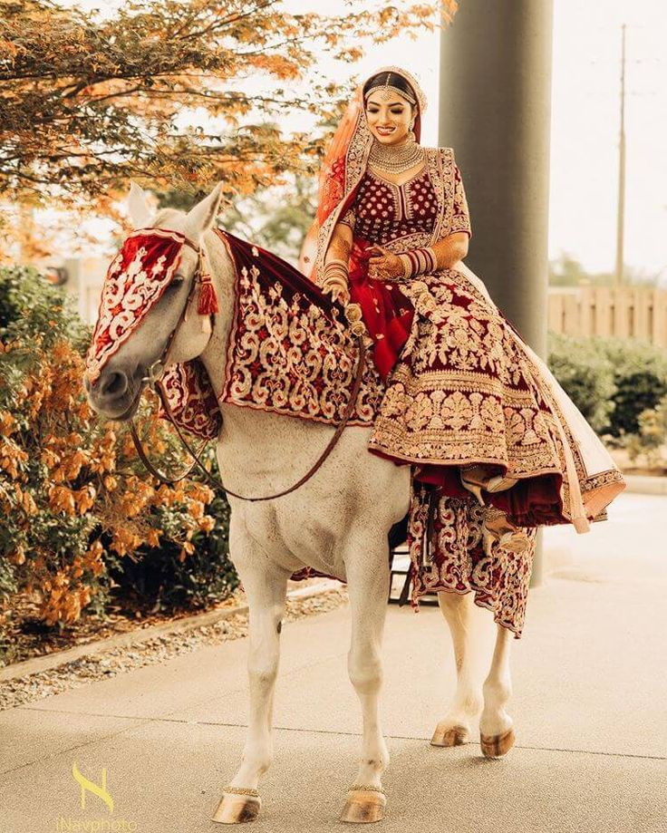 Top 11  Trending Quirky Bridal Entry Ideas For A Shandaar Entry, bacf1765416d867966c82f28c068f59f