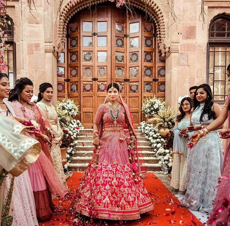 Top 11  Trending Quirky Bridal Entry Ideas For A Shandaar Entry, d04be259c2a69eb4bf5264bde7414520