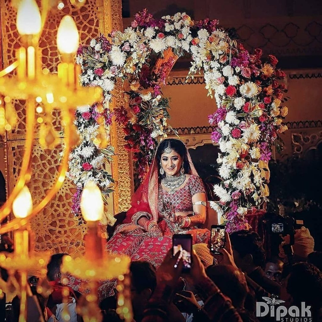 Top 11  Trending Quirky Bridal Entry Ideas For A Shandaar Entry, setmywed setmywed 16068283610121