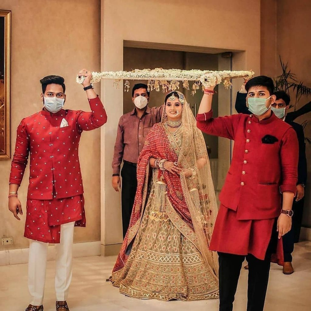 Top 11  Trending Quirky Bridal Entry Ideas For A Shandaar Entry, setmywed setmywed 16068283610129