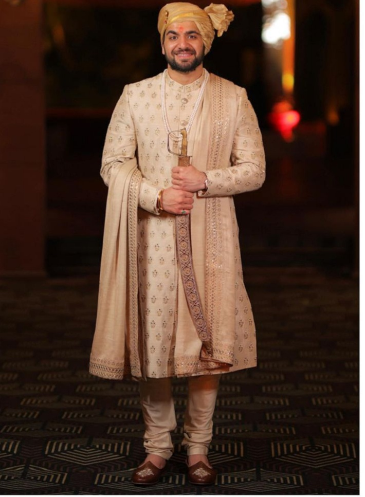 groom outfits by sabyasachi