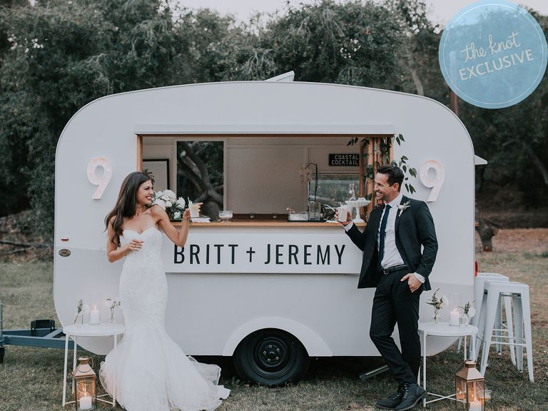 Awesome Photo Booth Ideas for Cherished wedding Selfies and Allfies, A Trailer With Champagne on Tap and 5 Other Roaming Bars You Can Rent for Your Wedding