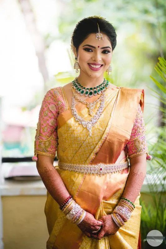 21 South Indian Brides Who Had Us Crushing Over Their South Indian Style, d8e162c537ec0e0e98850dc2d5804c9d