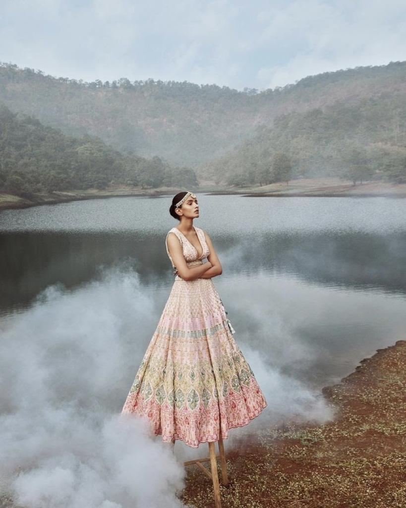 Extraordinary Bridal Lehenga Styles for your Exclusive Modern Wedding, image 8