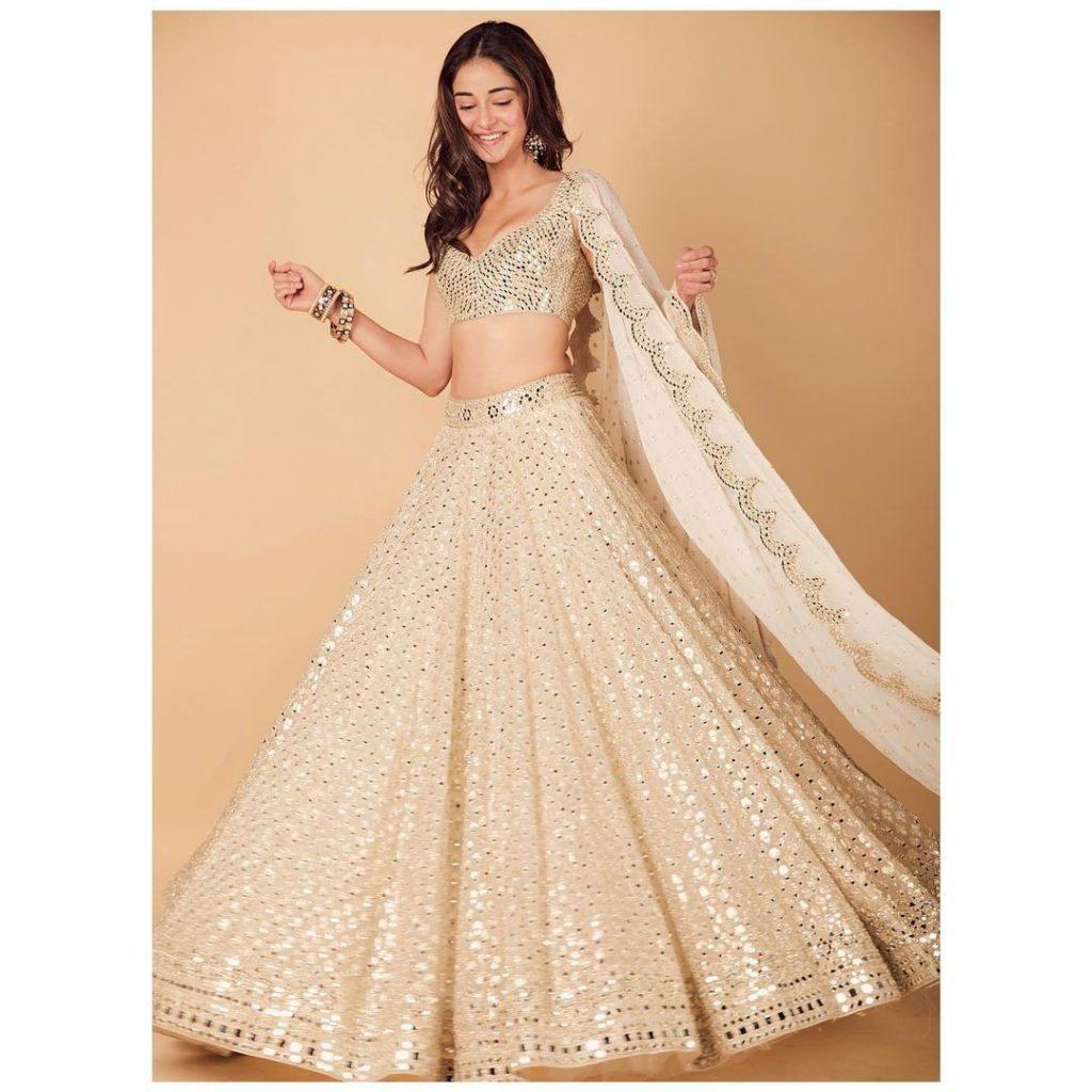 Extraordinary Bridal Lehenga Styles for your Exclusive Modern Wedding, instagramphotodownload.com Abhinav Mishra 4