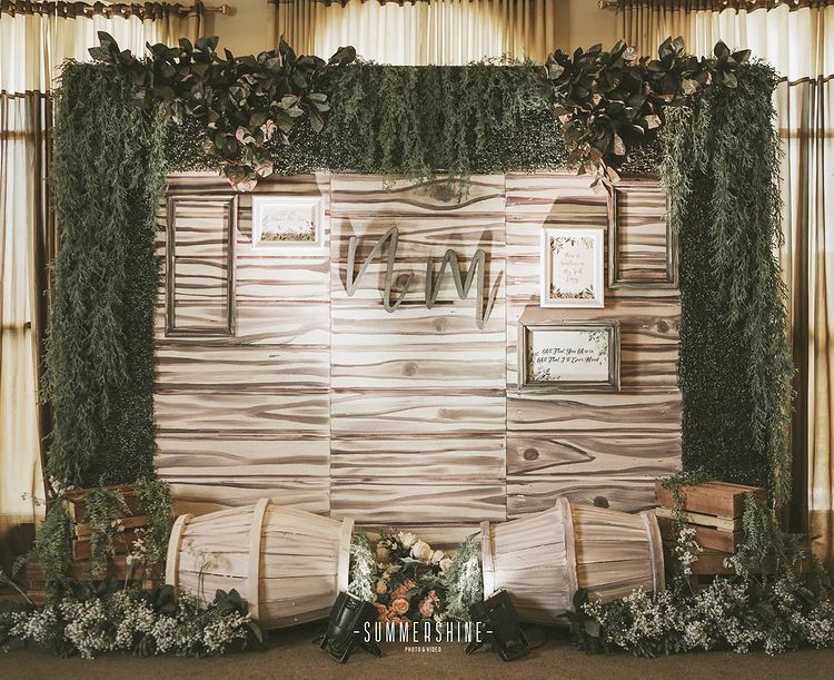 Awesome Photo Booth Ideas for Cherished wedding Selfies and Allfies, instagramphotodownload.com LYNN Decor 3
