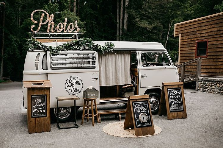 Awesome Photo Booth Ideas for Cherished wedding Selfies and Allfies, instagramphotodownload.com Wedding   Event Planner 1