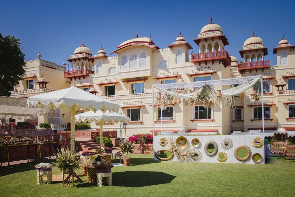 Glorious Palace Wedding of Hanna S Khan and Shahrukh Merchant is Straight Out of a Fairytale, Hanna Mehndi Decor 15 of 16