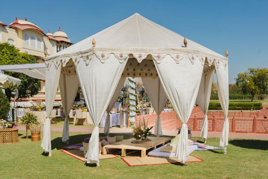 Glorious Palace Wedding of Hanna S Khan and Shahrukh Merchant is Straight Out of a Fairytale, Hanna Mehndi Decor 4 of 16 1
