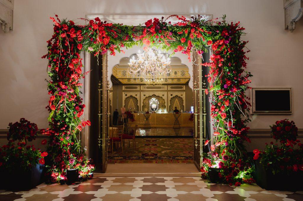 Glorious Palace Wedding of Hanna S Khan and Shahrukh Merchant is Straight Out of a Fairytale, Hanna Wedding Reception Decor 14 of 23