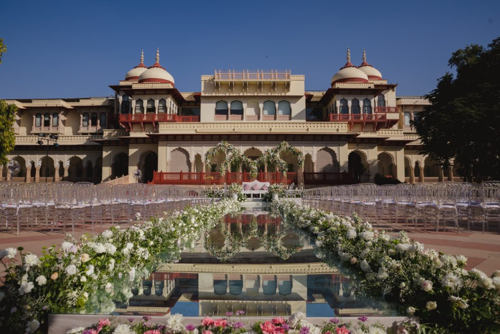 Glorious Palace Wedding of Hanna S Khan and Shahrukh Merchant is Straight Out of a Fairytale, Hanna Wedding Reception Decor 3 of 23