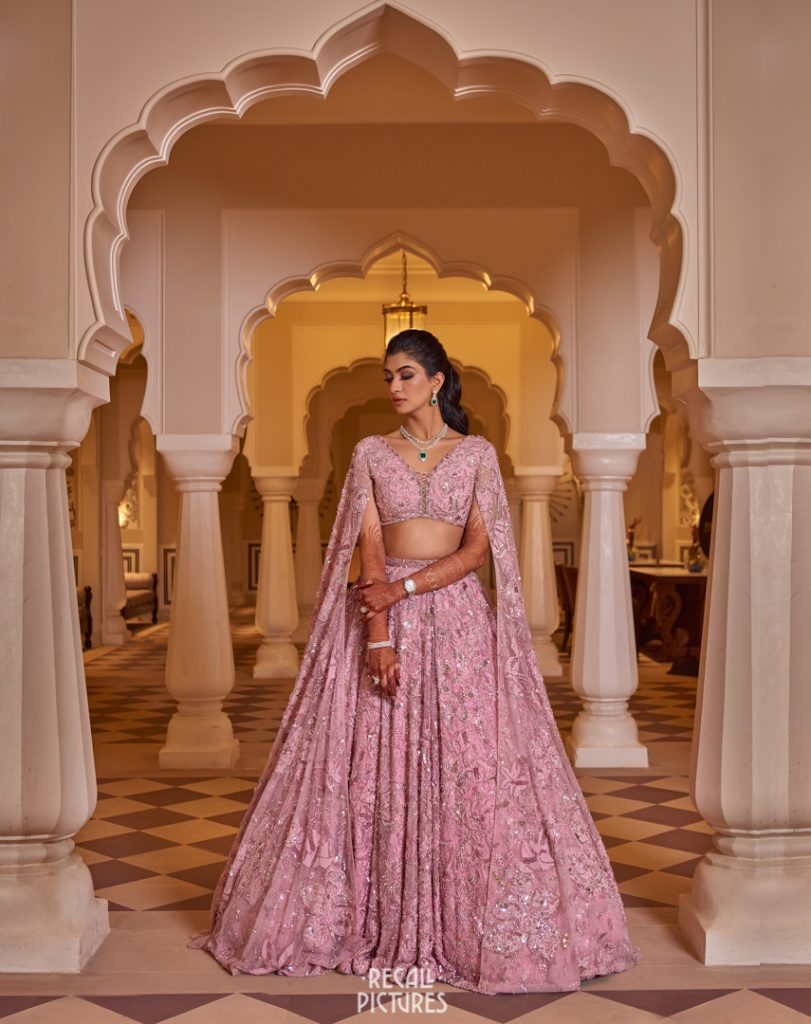 Glorious Palace Wedding of Hanna S Khan and Shahrukh Merchant is Straight Out of a Fairytale, Sangget 1